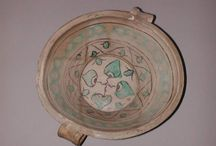 pottery - dishes - managanese and copper green / Maiolica arcaica?