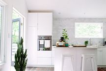Kitchens / I like neat and bright kitchens