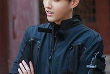 Wu Yifan / Kris