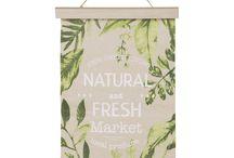 Collection Green Market / Avec la tendance Green Market, ramenez du marché un plein panier d'idées déco : plantes vertes, meubles et accessoires en bois et métal...