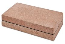 Shagreen / Celebration of things made of this cool material.