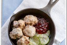 Meatballs / by Allyson Brito