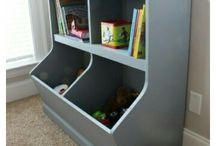 Toy chest/bookshelf