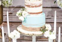 Anička a Venda svatba / Sweet bar - míša řezy, kamarádka sladkosti, cupcakes, profiterols, mini naháčky, maliny+jahody+borůvky - stromtácky, stojánky na vánoční cukroví, stojan s nohou, dřevěné bedýnky, malé tácky že stromu  Popisovací tabule -naše tabulka od pressa....na fotkách se svatebčany....můžou napsat přání do života novomanželům
