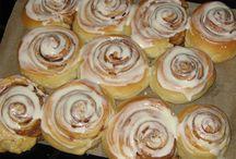Deli =  Bread, buns, pastry and pies / Finnish love rye bread and cinnamon buns