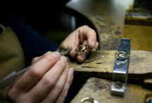職人技【とみた宝飾/ジュエリーデザイナー富田麻由】 / とみた宝飾のジュエリーを手がける、宝飾職人たちの至高の技をご覧ください。