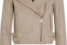 What to wear for Fall / Collection of fashion items to wear for fall: sweaters, jackets, coats, boots.
