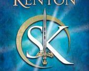 Books Worth Reading / Black Dagger Brotherhood, Dark Hunter Series, 50 Shades of Grey, Harry Potter, Twilight
