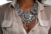 Statement necklace looks