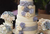 Cakes, Cakes & MORE CAKES. / by Niki Antaya