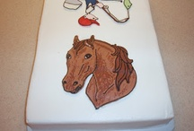 Icing Transfers / Buttercream and royal Icing / by Sherri B