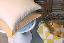 Verdeco Kussens / Verdeco verzorgt al uw op maat gemaakte raamdecoratie en kussens. Zowel vouw-, paneel-, als overgordijnen worden met erg veel passie in ons eigen atelier vervaardigd. We beschikken ook over een uitgebreid gamma aan stoffen die verkrijgbaar zijn in een zeer brede kleurenwaaier.
