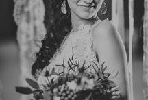 Szary na ślub i wesele / szara suknia ślubna, szare dekoracje i pomysł na szary kolor przewodni na wesele