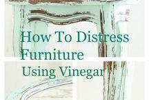 Distressing using vinegar