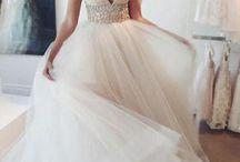 Tüll esküvői ruhák