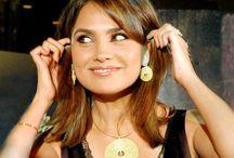 Actress Lara Dutta Wallpaper   Famous HD Wallpaper