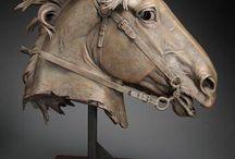 Лошадь скульптура