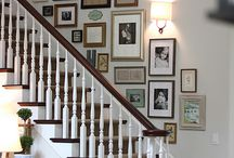 Desain interior : Gallery wall (stair)