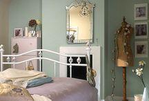 Room - Tranquil vintage bedroom