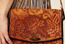 Tooled leather bags / by Sonia Jimenez