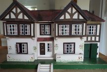 Victorian doll houses