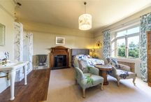 Sumptuous sitting rooms / Property for sale in Cornwall with sumptuous sitting rooms.