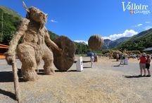 Paille et foin / Sculptures sur paille et foin - concours international à Valloire