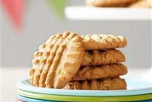 Perfect Peanut Butter Cookies / The perfect peanut butter cookies start with Jif® peanut butter. Try our favorite recipes today!