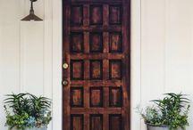 ARCH | EXTERIOR | door entrance