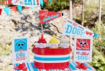 Pet-Friendly TAILgate Party / Kick up your creative game at the next tailgate party! These easy-to-recreate ideas from Hostess with the Mostess are perfect for both sports fans and pet parents alike!