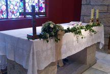 Decoración de iglesias / Decoración de Altar para boda. Por Un patio con flores