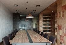 Furniture / sänkyjä, pöytiä, tuoleja