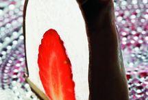 Desserterjordbærflødebolle.