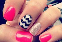 Lovely Nails / by Caitlin Laurel Putnam