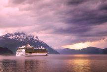 Gemi Turları / Karayı bir de mavinin açısından görmeye hazır mısınız? Gemi turları engin mavilikleri, eşsiz manzaraları keşfetmek için farklı destinasyonlar ile çok çeşitli yolculuk rotaları öneriyor.