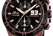 Marc Marquez 93 Armbanduhren / Marc Marquez, Weltmeister der Moto GP 2013. Lotus Meister feiert Sieg mit der Einführung einer Uhr Kollektion für Motorradfans. Lotus Armbanduhren teilweise mit  zusätzlich austauschbaren Uhrband. Einige Modelle in limitierte Auflage. Ein Muß für Biker.