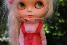 White Hair / Blythe dolls with white hair.  Mohair, Saran, Stock, etc.