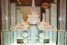 Separate tier wedding cakes
