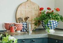 Wooden serve trays