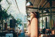La Gare, restaurant.  / Réhabilitation en restaurant d'une ancienne gare de la petite ceinture à Paris 16è 1 200 m² Coûts : 1,1 M€ - Année : 1996