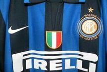 Internazionale Football Club Milano / Maglie...stemmi...foto...della Società di Calcio...F.C. INTERNAZIONALE MILANO