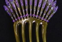 HAIR COMBS, beautiful and ornate! / by Cheri Jones