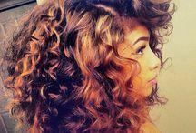 Καρέ σγουρά μαλλιά