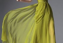 Plesové šaty / Kolekce nejkrásnějších společenských šatů od vybraných zahraničních dodavatelů.