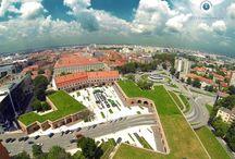 Timisoara  / Cu aproximativ 300 de ani în urmă era singurul oraş din România în care funcţiona o Fabrică de Bere, iar 10 ani mai târziu se inaugura primul canal navigabil din ţară. Cu exact 268 de ani în urmă, la Timişoara se construia primul spital municipal din ţară (cu 24 de ani înainte-a celui de la Viena şi cu 34 de ani înainte-a celui de la Budapesta), iar în 1760 devenea primul oraş al monarhiei cu străzile iluminate cu lămpi.