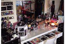 Makeup room/tables