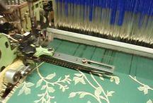 Technologie / Na této nástěnce vám chceme ukazovat jak se vyrábí žakárové látky. We will show you how we weaving.