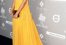 Jessica Alba robes
