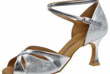 Tanzschuhe in silber / Hier finden Sie eine Auswahl an silbernen Tanzschuhen für Standard und Latein.