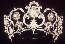 Crowns & Tiara's / by TeacupsandConfetti
